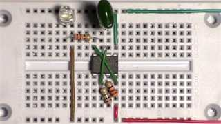 using breadboard to make simple IC 555 flasher