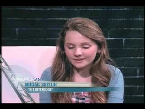 Kit Kittredge's Abigail Breslin goes Backstage!