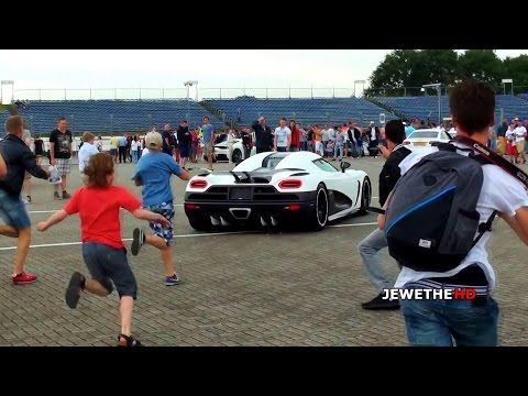 Koenigsegg Agera R Arrives at Supercar Event - People Go CRAZY!