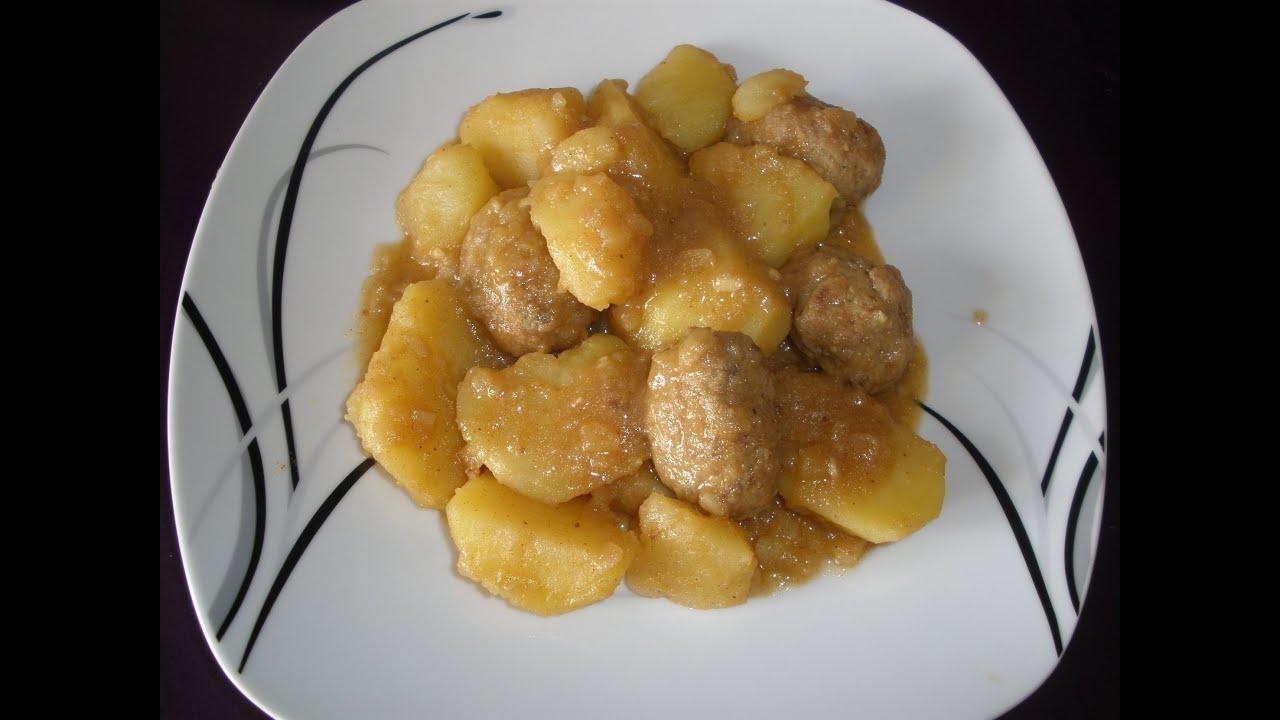 Guiso de albondigas con patatas receta meatballs with - Albondigas de patata ...