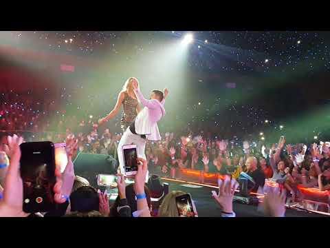 Дима Билан и Ксения Сухинова Держи Москва Крокус Сити Холл 8.11.2017