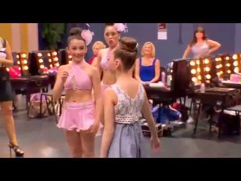 Dance Moms Maddie dancing Chandelier in the dressing room ...