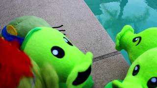 Plants vs. Zombies Plush: Peashooter and Paco