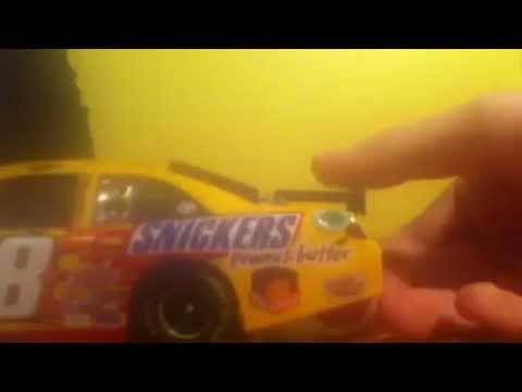 NASCAR 1/24 die-cast review Kyle Busch 2012 Snickers Peanut