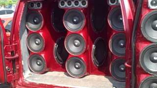 minivan with 40,000 watts  8 - 18s - 17-12s - 18 tweets at englishown raceway part 6-17-10.AVI