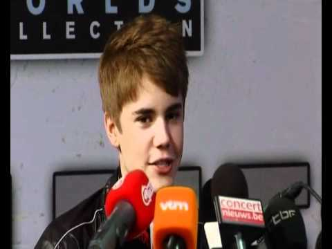 Teen sensation Justin Bieber talks about his mom, hitting puberty and ...