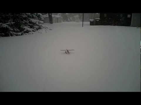 UMX Carbon Cub on floats - taxi test in the snow