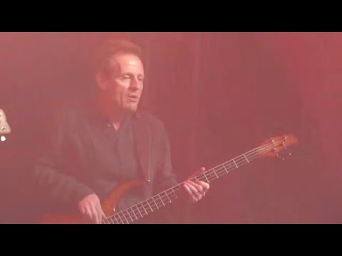 DREAM JAM 1 = JOHN PAUL JONES + BERNIE MARSDEN + CHRIS SPEDDING + WAYNE KRAMER Goin' down