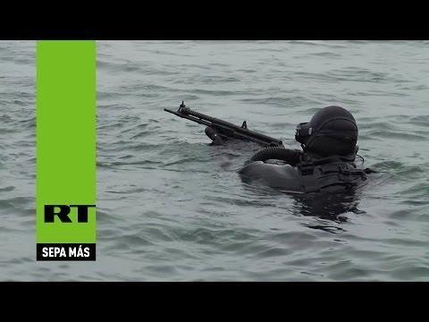 mira como se entrenan los nadadores de combate rusos