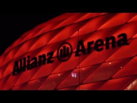 Bayern Munich - Atlético de Madrid - Aficionados cantando en Allianz Arena