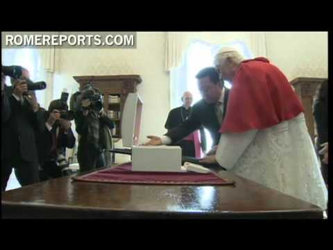 Benedict XVI receives president of Mongolia at Vatican