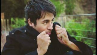 Watch Enrique Iglesias Coming Home video