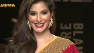 Bollywood showstoppers at Lakme Fashion Week 2013