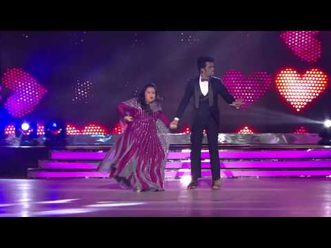 download lagu When Bharti Fell Off In Her Gown On The gratis