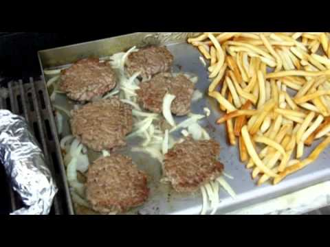 Sizzle-Q Sliders & Fries