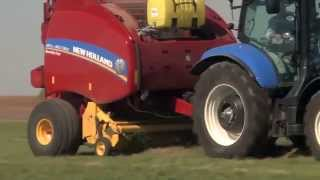 Roll-Belt™ 560 Round Baler
