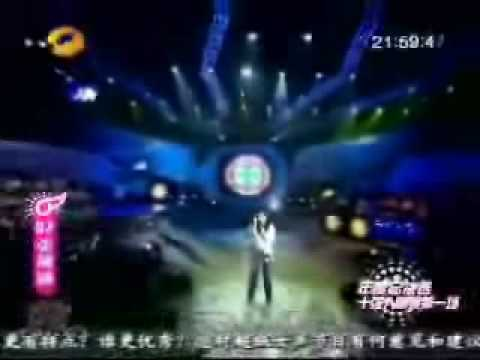 Chinese Girl with an amazing voice, versatility & range