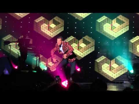 Stromae - Tous Le Mêmes - Live Roma 2014 [HD]