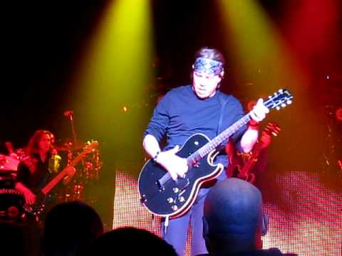 George Thorogood - Who Do You Love? - Wildhorse Saloon - Nashville, TN - 3/17/10