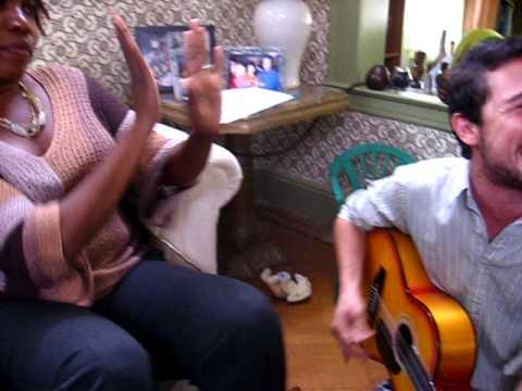 Joseph Gordon-Levitt sings La Bamba (Uncertainty)