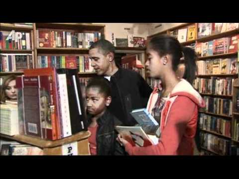 Raw Video: Obama Family Goes Book Shopping