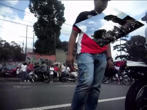 AV EL CUARTEL MOTO PIRUETA