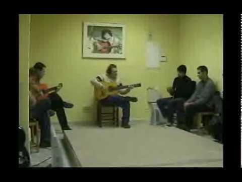 Academia Cañorroto El Entri. Clase de guitarristas del Entri.