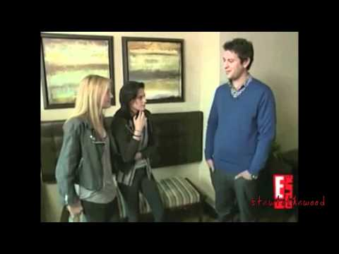 Kristen Stewart and Dakota Fanning Funny Moments