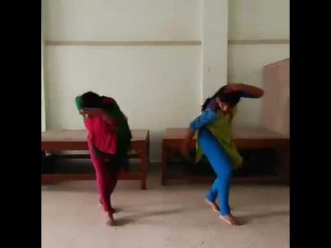 Otharupa Tharaen Tamil song kuthu dance by two girls