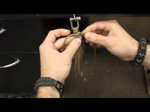 Quick deploy cobra paracord bracelet