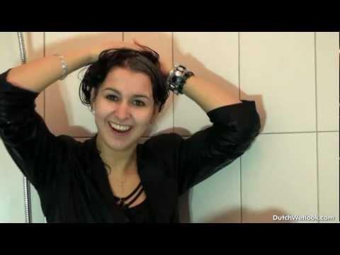Dutchwetlook173 Melanie rinsing