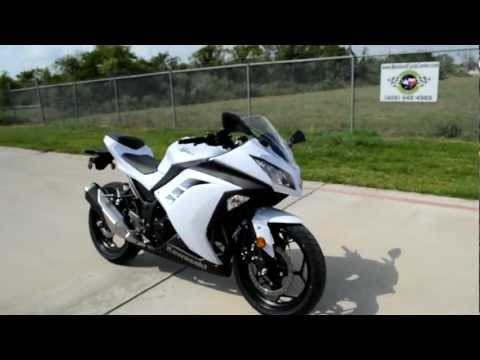 Overview and Review of the 2013 Kawasaki Ninja 300 Pearl Stardust White!