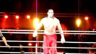 Raw live 2010 Bercy - Arrivée Great Kali