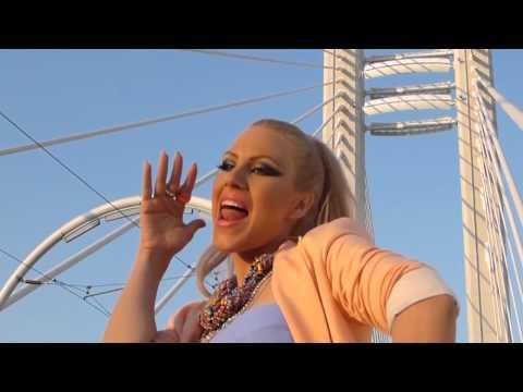 Amna   she bangs DJ Prieto Video Remix