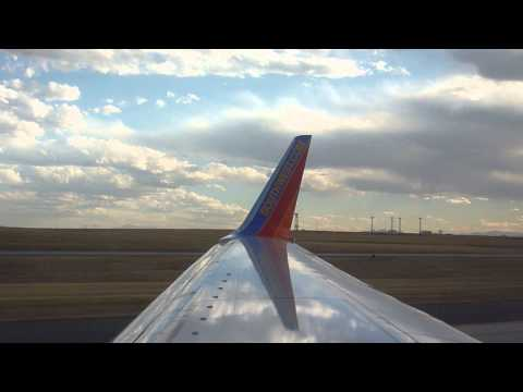 """Southwest Airlines Boeing 737-700 """"Heroes Of The Heart"""" Takes Off From KDEN On Runway 8"""