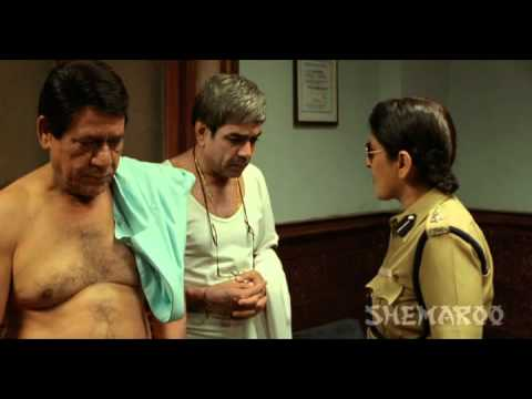 Best Comedy Scene - Om Puri Takes Off His Pants - Mere Baap Pehle Aap video