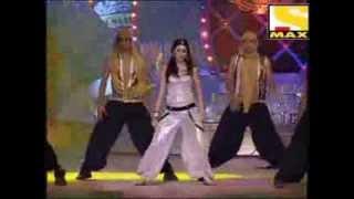 Anushka Sharma Amazing Dance Performance