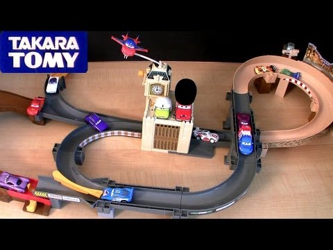 Hello cars fans, check out this new playset from tomica called big action circuit London playset from disney pixar cars 2 and takara tomy toys. Enjoy the wor...