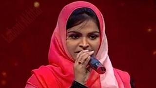 ইসলাম বিরোধী হিন্দু ভক্তিগীতি গেয়ে ফেসবুকে তীব্র আক্রমণের মুখে মুসলিম তরুণী | Bangla News Today