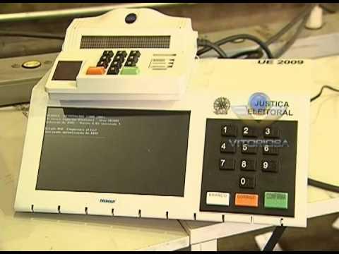Urnas eletrônicas começam a ser distribuídas pelas zonas eleitorais