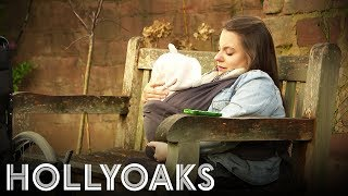 Hollyoaks: Courtney's Difficult Decision