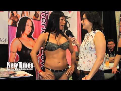 Exxxotica2013 Porno Interviews video