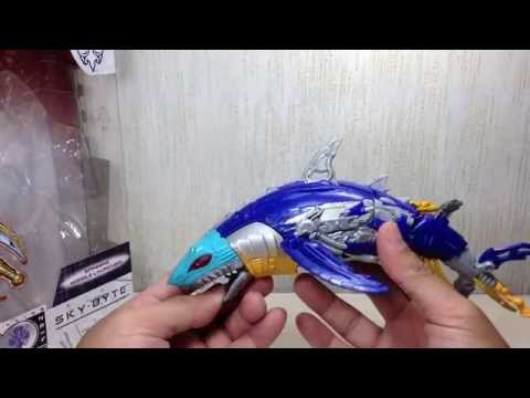 Generations Sky Byte Transformers Voyager Toy Review