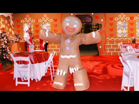 Gingy's Gingerbread Decorating at Gaylord Palms - With Gingy Helping Decorate & Showing Dance Moves