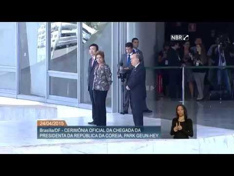 Dilma Rousseff recebe a presidenta da Coreia do Sul em visita oficial
