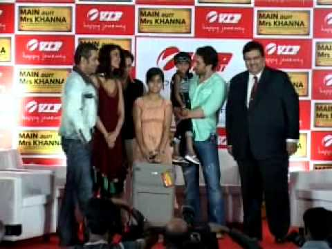 Salman and Kareena at Main Aur Mrs Khanna Movie Promo