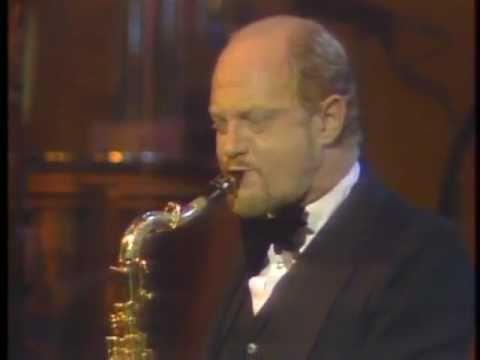Live- Mancini-Charlie's Angels Theme-stereo 1980
