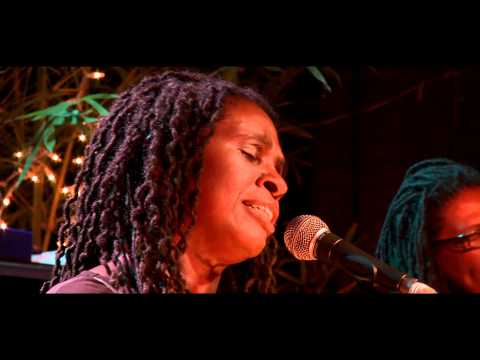 Ruthie Foster - Phenomenal Woman Live