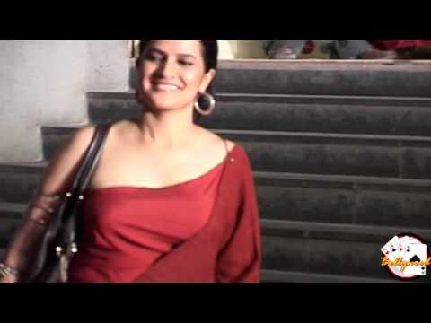 Sona Mohapatra Wearing Sexy Gown At English Vinglish Primiere video