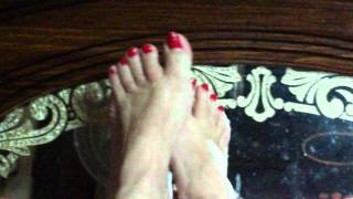 Goddess Pinky foot play.wmv